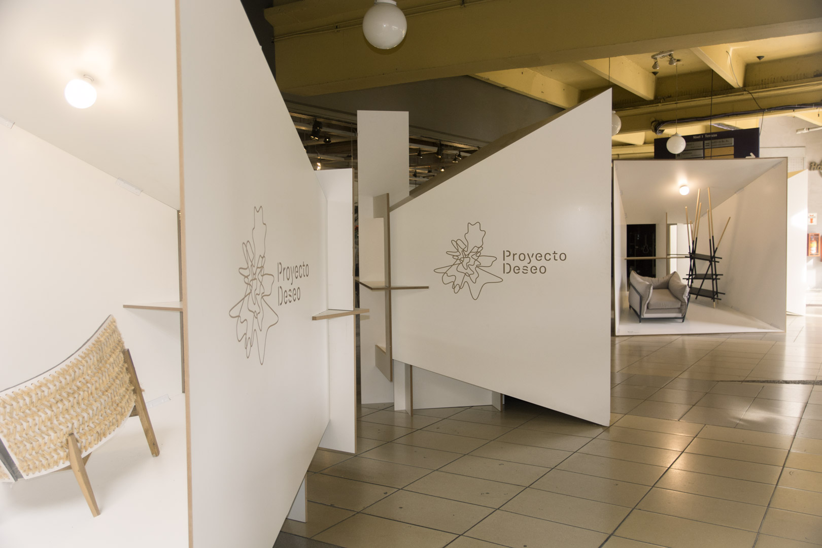 Exhibición muebles Proyecto Deseo Buenos Aires design